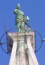 Sveta  Euphemia uitkijkend over Rovinj.